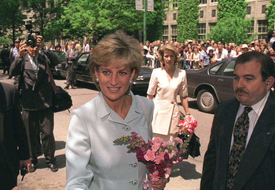 La Princesa de Gales, Lady Di, en una visita el Cook County Hospital de Chicago. (Foto: Tim Graham Photo Library via Getty Images)