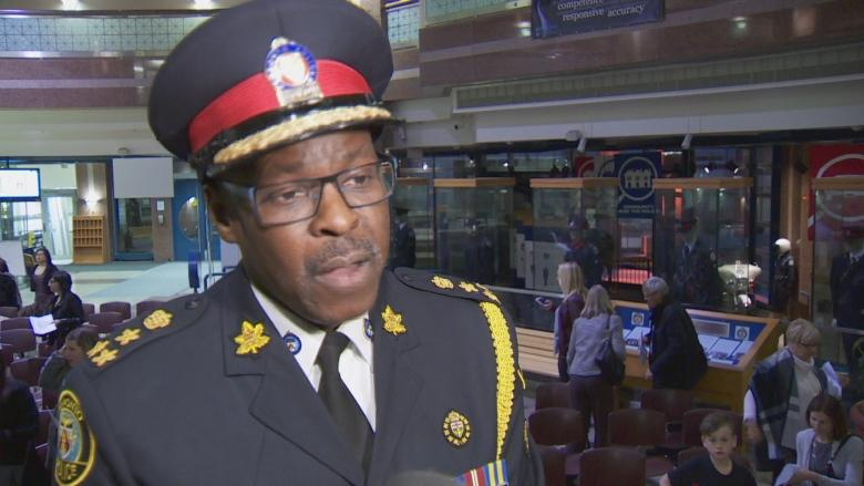 Toronto police awards honour 105 members — and 1 teenager