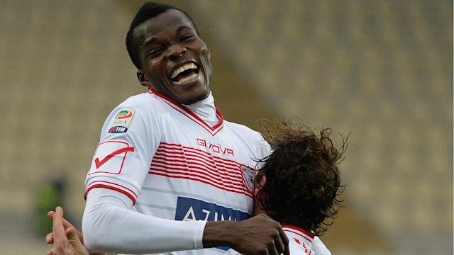 The midfielder leaves Stadio Luigi Ferraris after almost a decade with the Red and Blues