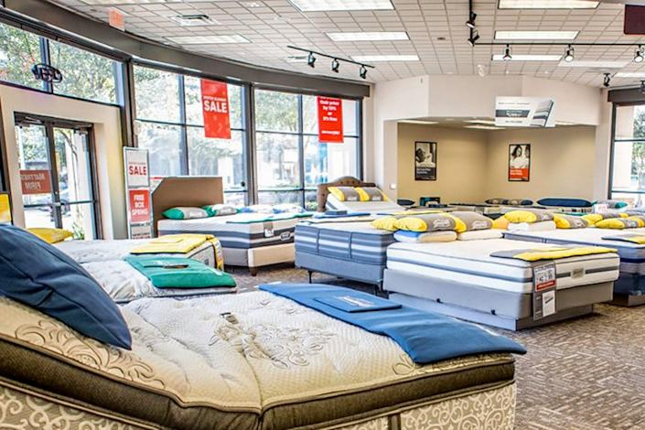 "<b>Photo: mattress firm market place/<a href=""https://yelp.com/biz_photos/mattress-firm-market-place-irvine?utm_campaign=186d6ed2-55a9-45db-a3bc-d4adb6829e36%2C5c03e1c4-7b83-4de7-b696-4eb5c04d6d75&utm_medium=81024472-a80c-4266-a0e5-a3bf8775daa7"" rel=""nofollow noopener"" target=""_blank"" data-ylk=""slk:Yelp"" class=""link rapid-noclick-resp"">Yelp</a></b>"