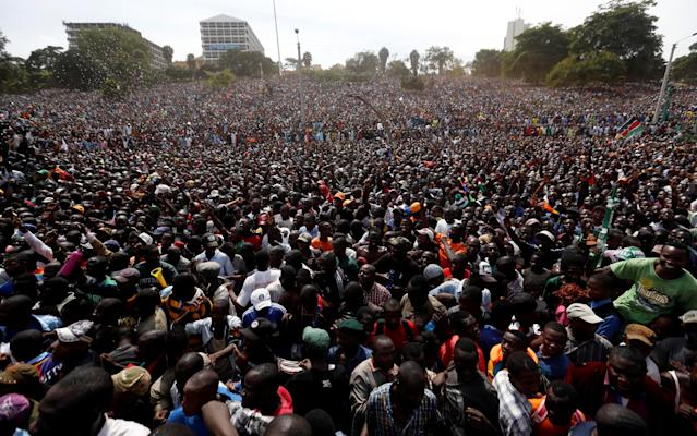 <p>Supporters of Kenyan opposition leader Raila Odinga of the National Super Alliance (NASA) coalition gather during a swearing-in ceremony of Odinga as the president of the Peopleís Assembly in Nairobi, Kenya, Jan. 30, 2018. (Photo: Thomas Mukoya/Reuters) </p>