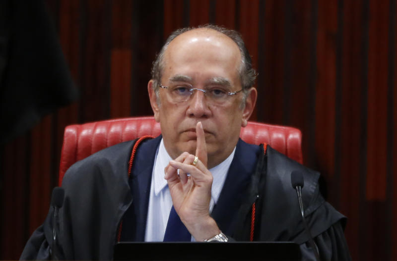 BRASILIA, BRAZIL - JUNE 09: Superior Electoral Court President Gilmar Mendes attends a court session on June 9, 2017 in Brasilia, Brazil, The court is deciding whether to annul President Michel Temer's presidency due to allegations of illegal campaign contributions in 2014. (Photo by Igo Estrela/Getty Images)