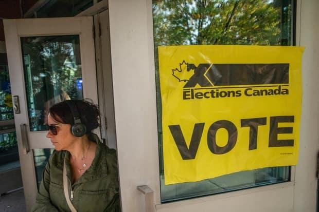 Canadian voters are likely to face some form of foreign cyber interference ahead and during the next federal election, warns Canada's cyber spy agency.  (Brett Gundlock/Getty Images - image credit)