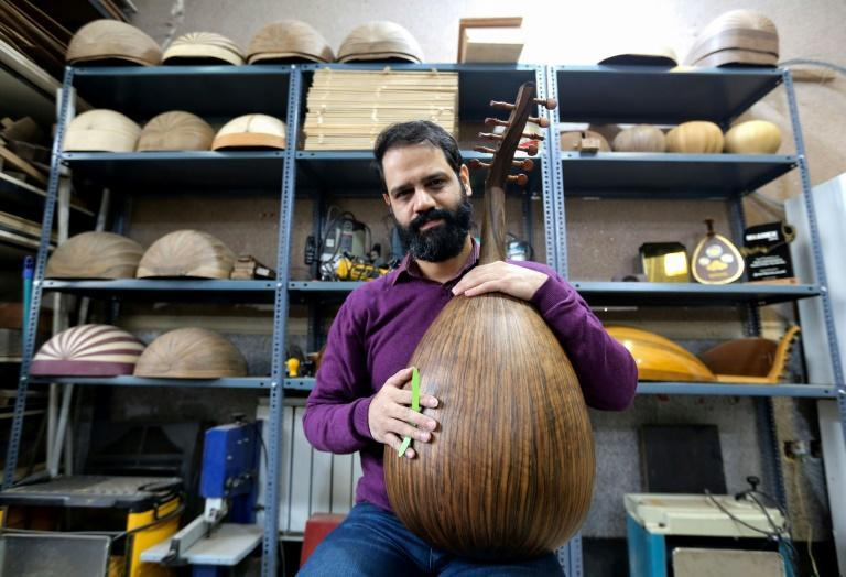 """Hamid Khansari says the bow-shaped oud is a """"blessing"""" that """"expands the possibilities of creation"""""""