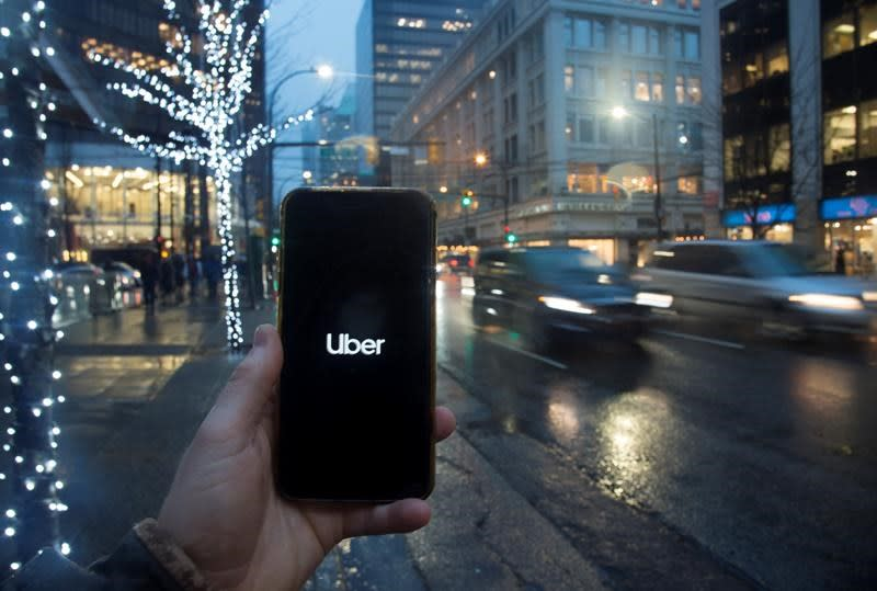 Transportation board approves Uber, Lyft ride-hail services in Lower Mainland