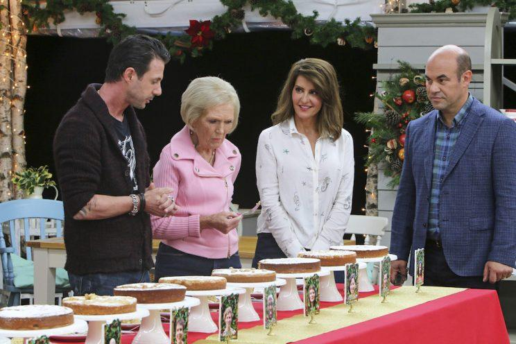Johnny Luzzini, Mary Berry, Nia Vardalos, and Ian Gomez on 'The Great American Baking Show' (Credit: Mark Bourdillion/ABC)