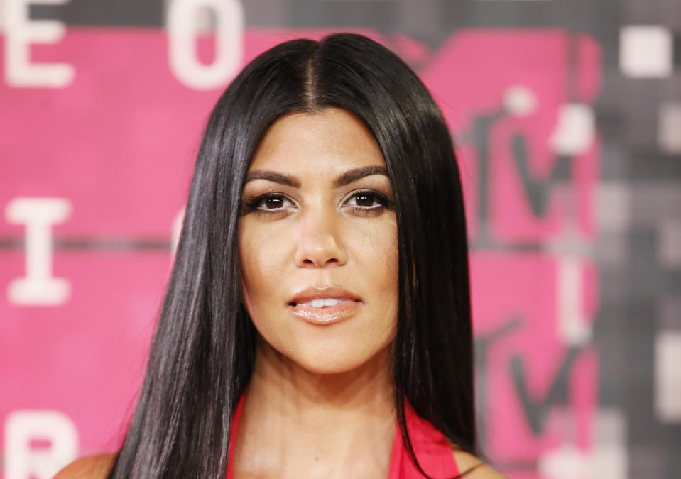Kourtney Kardashian spreads COVID-19 mask conspiracy denounced by American Cancer Society