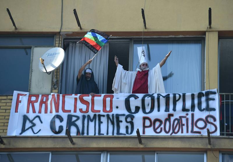 People demonstrate againstPope Francis' visit to Chile on January 16, 2018.