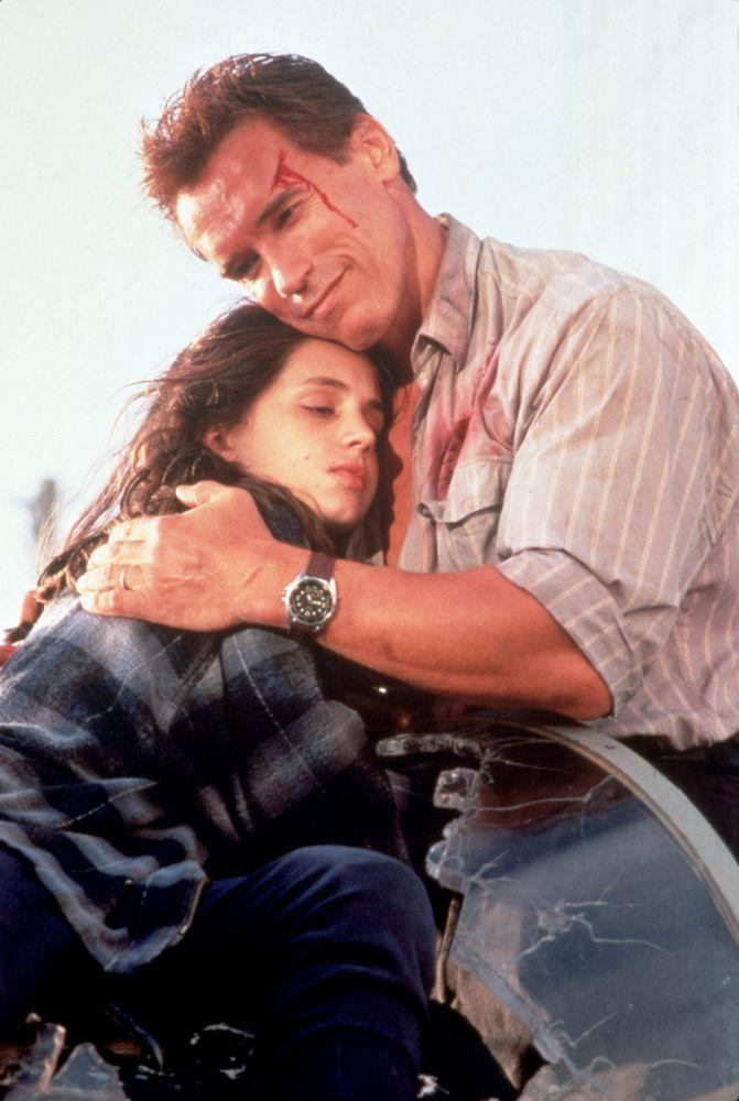Eliza Dushku and Arnold Schwarzenegger in <em>True Lies</em>