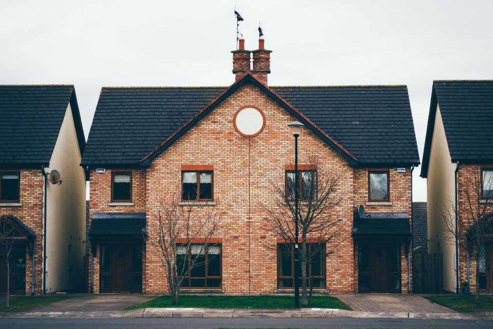 Young Brits are choosing suburbs, towns and the countryside over urban dwellings. (Terrah Holly/Unsplash)