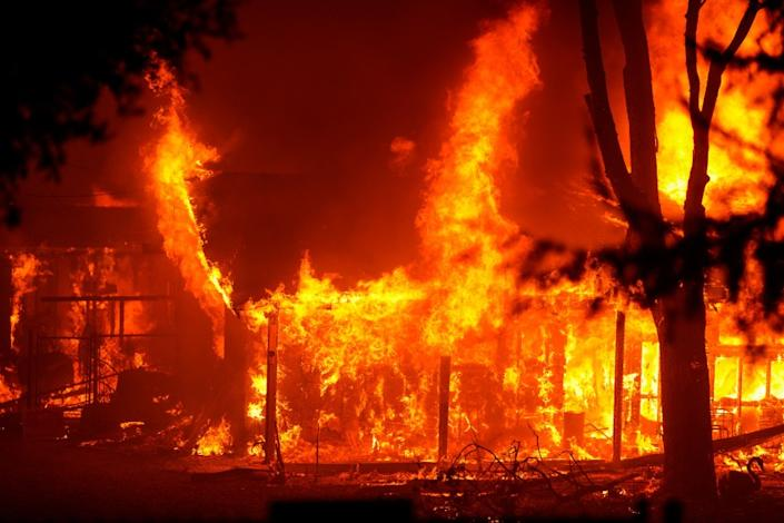 "SANTA ROSA, CA - SEPTEMBER 28: The Shady Fire impacts structures along CA-12 on Monday, Sept. 28, 2020 in Santa Rosa, CA. (Kent Nishimura / Los Angeles Times) <span class=""copyright"">(Kent Nishimura/Los Angeles Times)</span>"