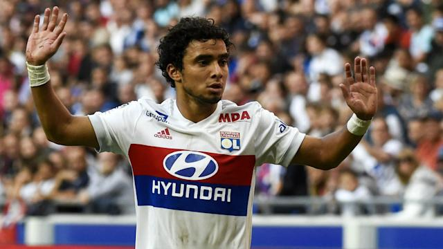 The Brazilian is facing increased competition for the right-back spot next season, but he is not planning to leave