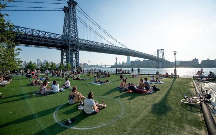 New Yorkers relax amid restrictions in Brooklyn - Roy Rochlin/Getty Images