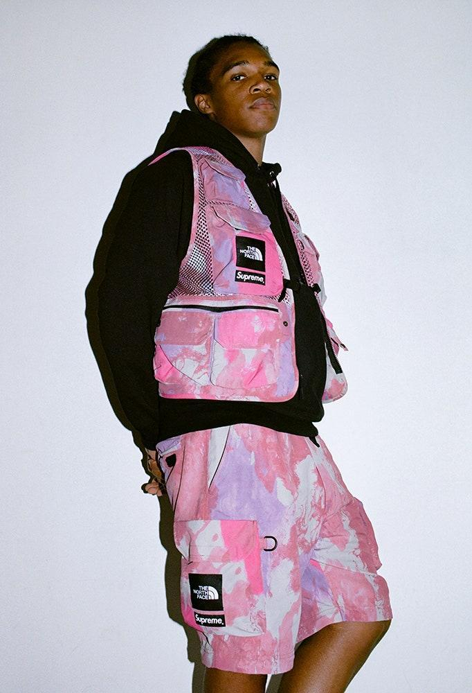 "<div class=""caption""> Courtesy of Supreme / The North Face </div>"