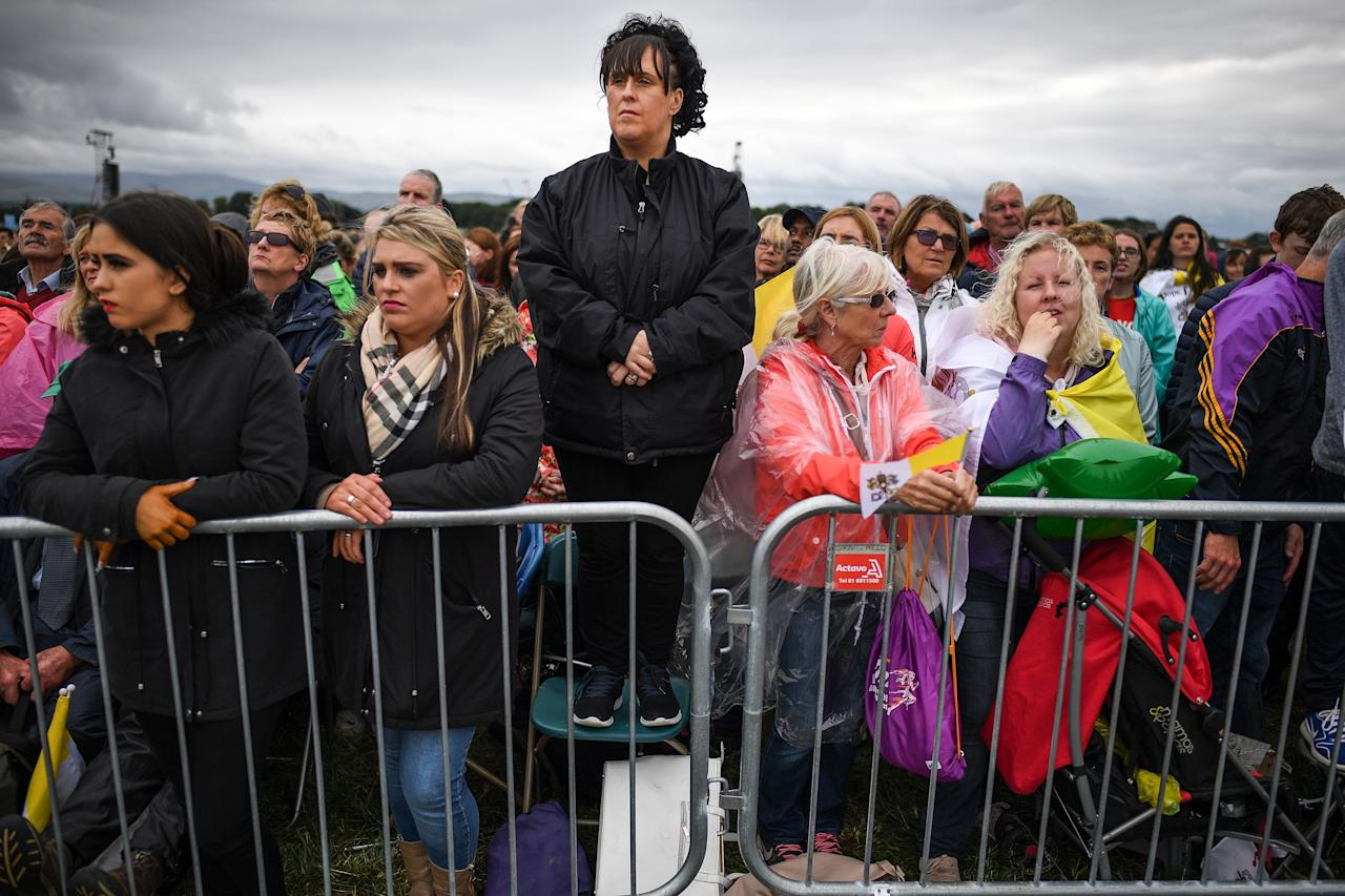 <p>Members of the public attend the closing mass at the World Meeting of Families with Pope Francis on Aug. 28, 2018 in Dublin, Ireland. (Photo: Jeff J. Mitchell/Getty Images) </p>