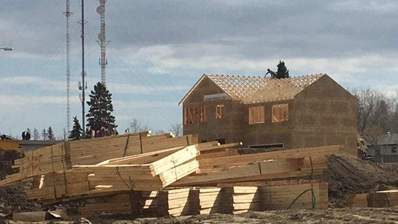 Fort McMurray fire anniversary comes as some still struggling to rebuild
