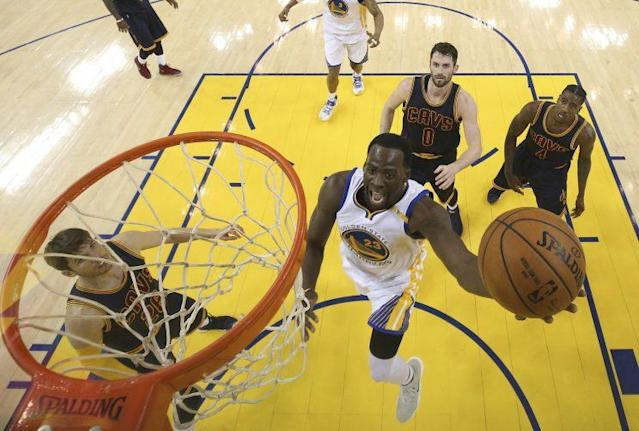 Don't expect so many Cavaliers to watch the Warriors score in Game 2. (AP)