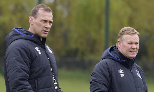 "<span class=""element-image__caption"">Everton's manager Ronald Koeman, right, and the assistant coach Duncan Ferguson keep an eye on their players during training at Finch Farm.</span> <span class=""element-image__credit"">Photograph: Tony McArdle/Everton FC via Getty Images</span>"