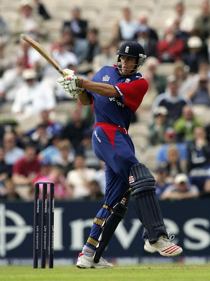 MANCHESTER, UNITED KINGDOM - JUNE 28:  Alastair Cook of England hits out during the fourth Natwest One Day International match between England and Sri Lanka at Old Trafford on June 28, 2006 in Manchester, England.  (Photo by Paul Gilham/Getty Images)