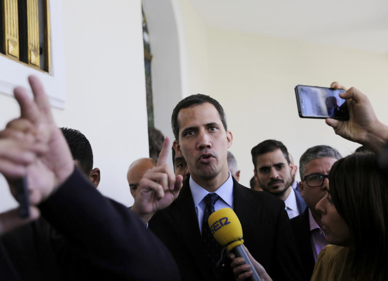 Venezuela prosecutor moves to place travel ban on Guaido