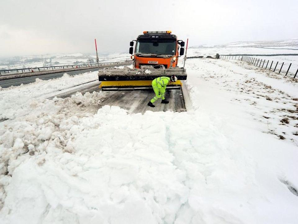 <p>Residents of Michigan, Ohio, and Indiana are being warned that travel conditions may be difficult on Monday as a storm is forecast</p>