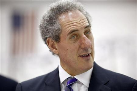 United States Trade Representative Froman visits the new facility for Atlas Devices in Boston