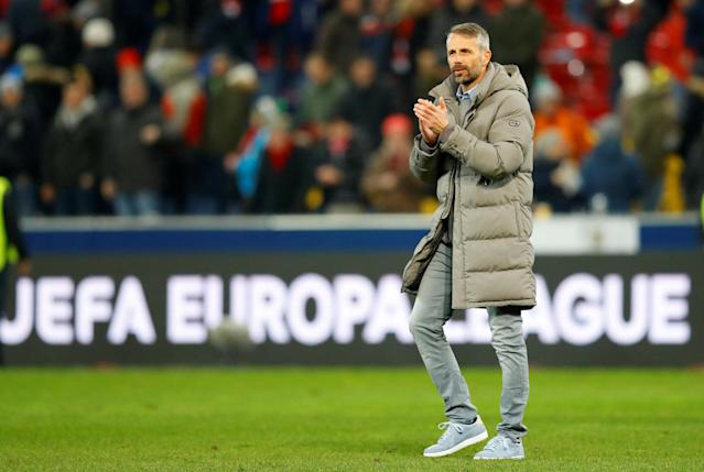 Soccer Football - Europa League Round of 16 Second Leg - RB Salzburg vs Borussia Dortmund - Red Bull Arena Salzburg, Salzburg, Austria - March 15, 2018 RB Salzburg coach Marco Rose applauds their fans after the match REUTERS/Leonhard Foeger