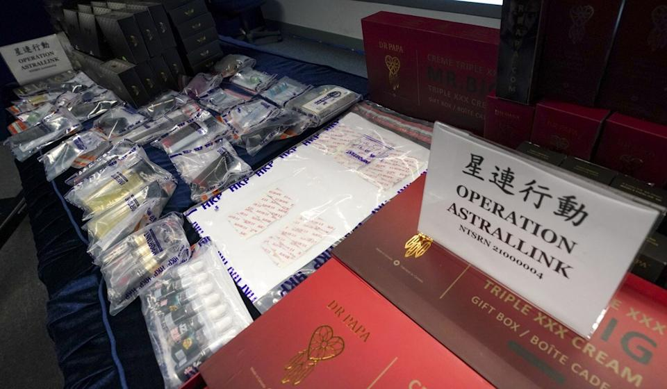 Police display evidence collected in Hong Kong. Photo: Felix Wong