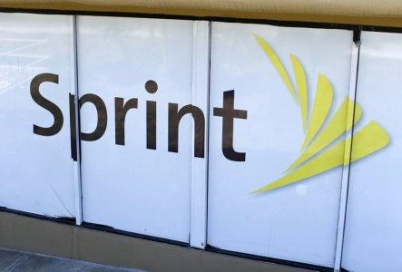 Sprint Corp (S) Major Shareholder Group Corp Softbank Buys 5348176 Shares