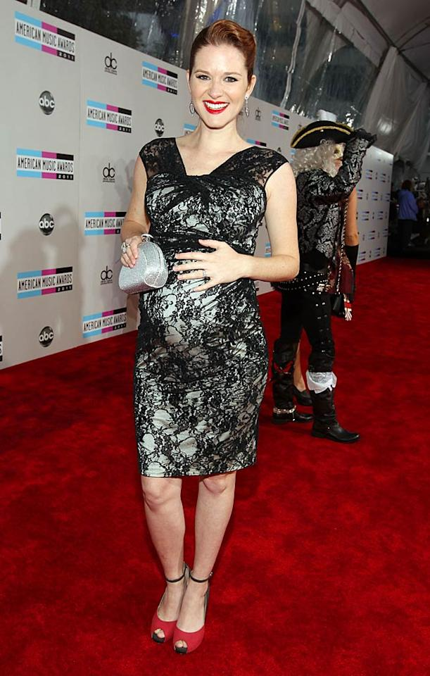 """Grey's Anatomy's"" Sarah Drew arrives at the 2011 American Music Awards held at the Nokia Theatre L.A. LIVE. (11/20/2011)"