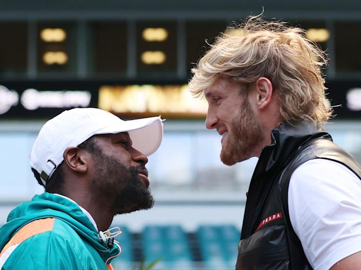 Floyd Mayweather (left) will take on YouTuber Logan Paul in an exhibition bout (Getty Images)