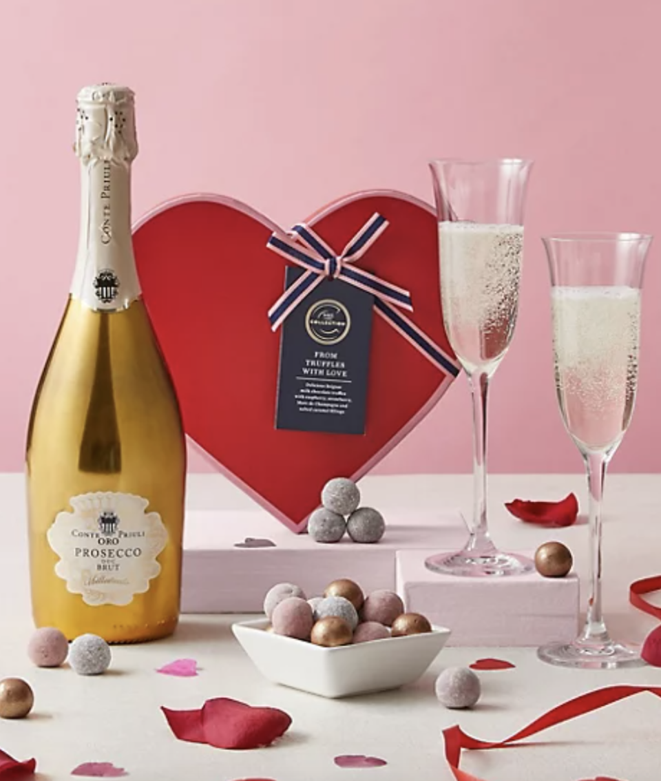 A Match Made In Heaven Prosecco & Chocolates (Marks and Spencer)