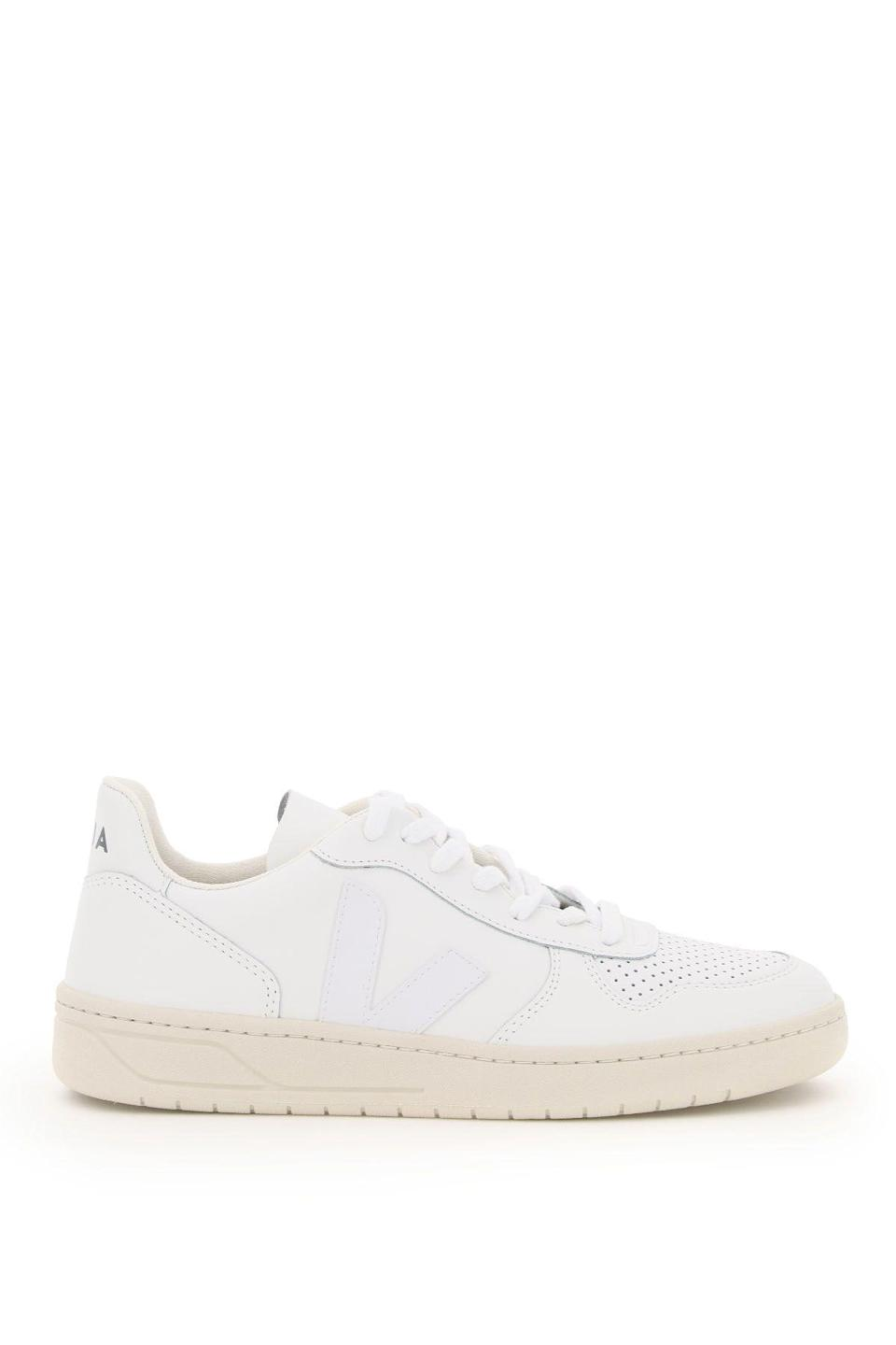 """<p><strong>Veja</strong></p><p>coltortiboutique.com</p><p><strong>$124.00</strong></p><p><a href=""""https://go.redirectingat.com?id=74968X1596630&url=https%3A%2F%2Fwww.coltortiboutique.com%2Fen_us%2Fsneakers-veja-212773nsn000008-exwht.html&sref=https%3A%2F%2Fwww.harpersbazaar.com%2Ffashion%2Fg34974716%2Flast-minute-gifts-on-sale%2F"""" rel=""""nofollow noopener"""" target=""""_blank"""" data-ylk=""""slk:Shop Now"""" class=""""link rapid-noclick-resp"""">Shop Now</a></p><p><strong><del>$150</del> $124 (Save 15%)</strong></p><p>Veja's V-10 sneakers have been designed to celebrate the French label's 10-year anniversary. Each pair is crafted using considered materials, including responsibly sourced leather, organic cotton, and wild rubber harvested from the Amazon rainforest. </p>"""