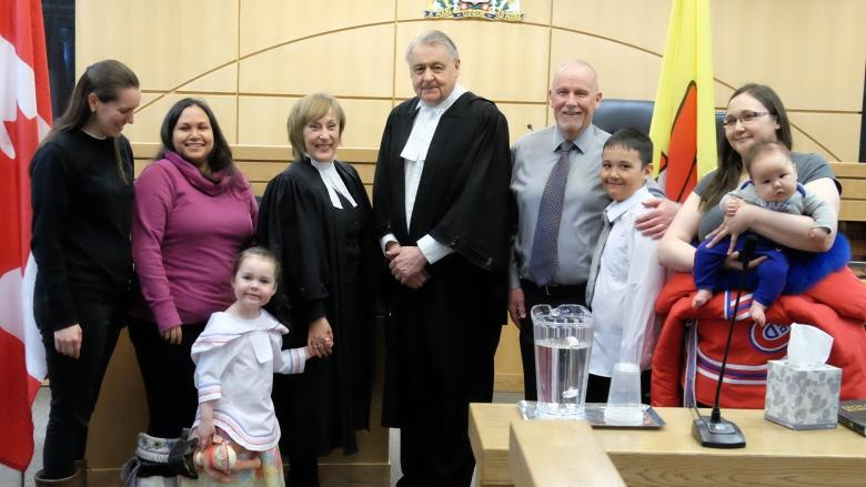 Inuk lawyer introduces another Inuk lawyer as she's called to the bar