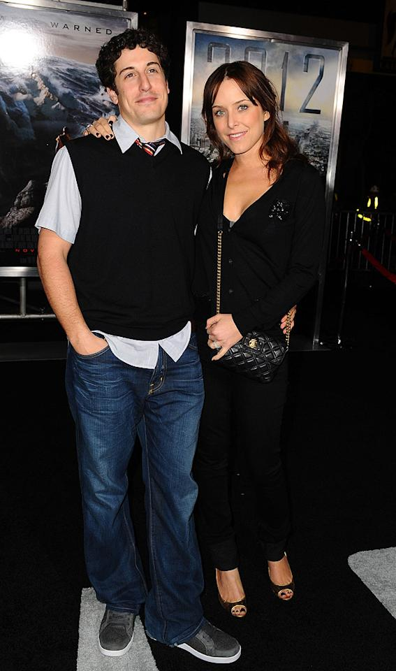 """<a href=""""http://movies.yahoo.com/movie/contributor/1800018640"""">Jason Biggs</a> and Jenny Mollen at the Los Angeles premiere of <a href=""""http://movies.yahoo.com/movie/1810045661/info"""">2012</a> - 11/03/2009"""