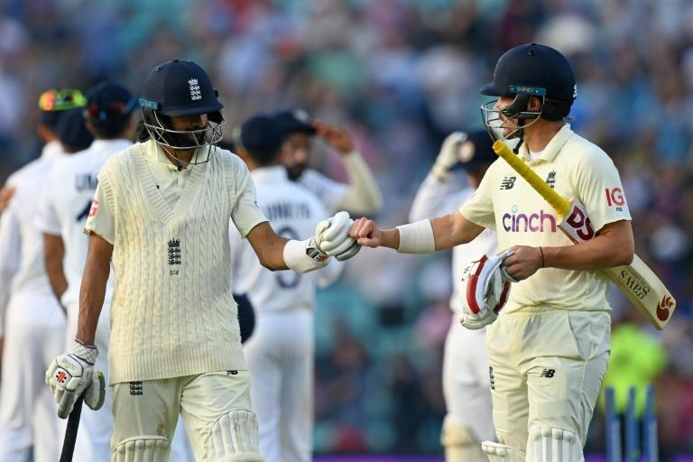 Haseeb Hameed (left) and Burns gave England hope for the final day against India (AFP/Glyn KIRK)