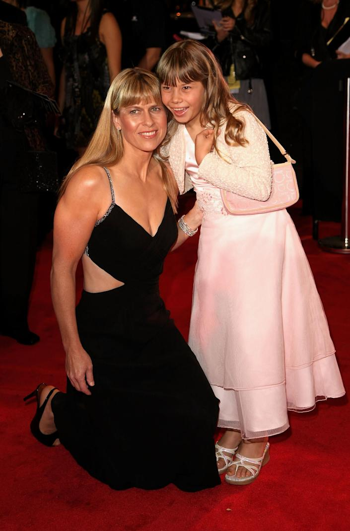 Conservationists Terri Irwin and daughter Bindi Irwin arrive on the red carpet at the 50th Annual TV Week Logie Awards at the Crown Towers Hotel and Casino on May 4, 2008 in Melbourne, Australia. (Photo by Kristian Dowling/Getty Images)