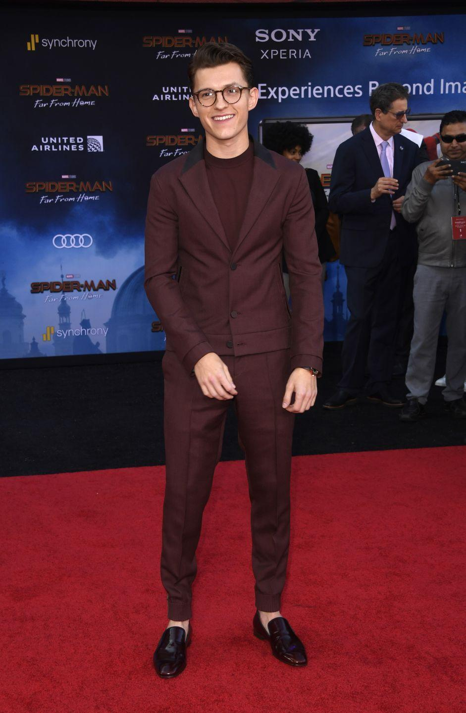 <p>Playing it safe is Holland's MO (which isn't a bad thing) but this contemporary tailored look proves that his risks are calculated. They also pay off. </p>