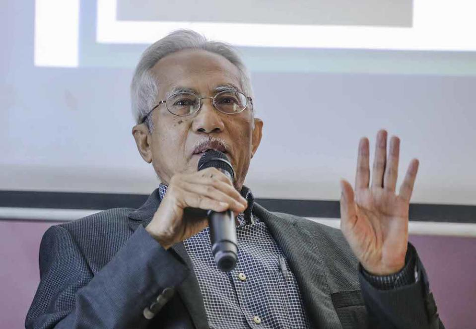 The Facebook account shares the same name as veteran newsman Datuk A. Kadir Jasin (pic) who was previously media adviser to former prime minister Tun Dr Mahathir Mohamad. — Picture by Firdaus Latif