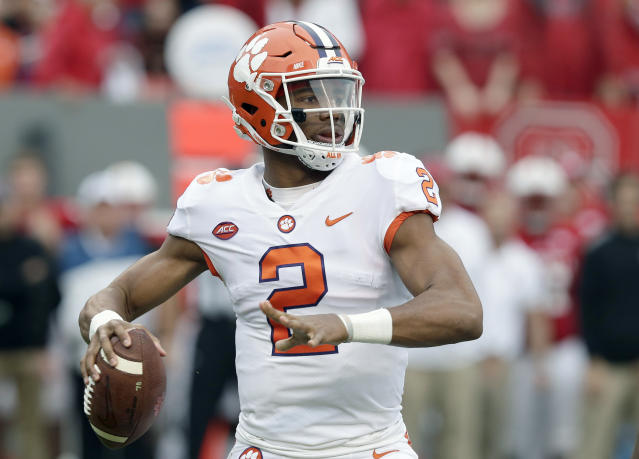 "Clemson quarterback <a class=""link rapid-noclick-resp"" href=""/ncaaf/players/252151/"" data-ylk=""slk:Kelly Bryant"">Kelly Bryant</a> (2) looks to pass against North Carolina State during the first half of an NCAA college football game in Raleigh, N.C., Saturday, Nov. 4, 2017. (AP Photo/Gerry Broome)"