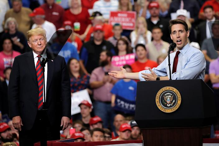 <span>Missouri Attorney General and Senate candidate Josh Hawley appears with President Trump at a rally in Springfield, Mo., on Sept. 21, 2018. (Photo: Mike Segar/Reuters)</span>