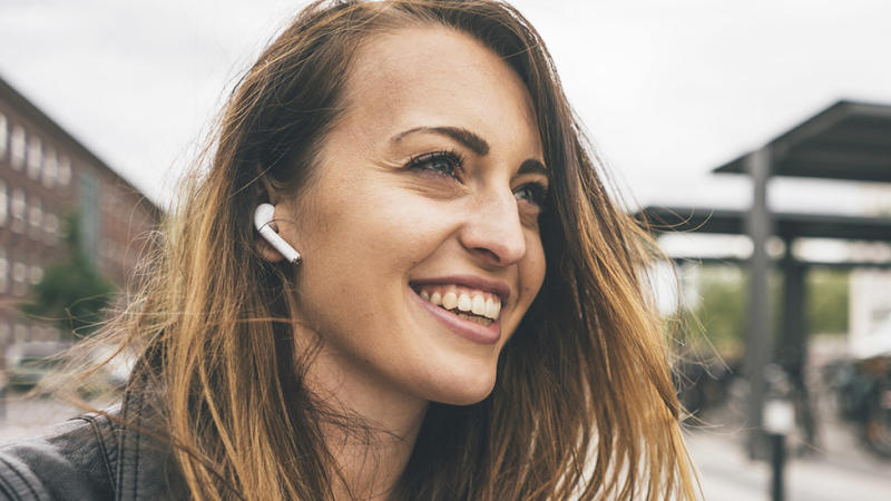 Expert says AirPods can be damaging for ears
