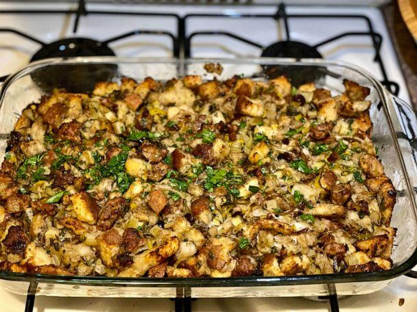PHOTO: Kelly McCarthy recreated her mom Lori McCarthy's stuffing recipe for Thanksgiving to have a taste of home. (Kelly McCarthy)