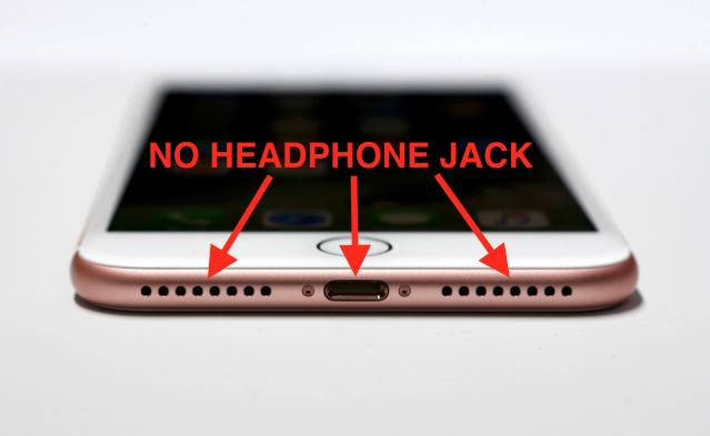 Instead of a headphone jack, there is a problem. (Original image from Reuters)