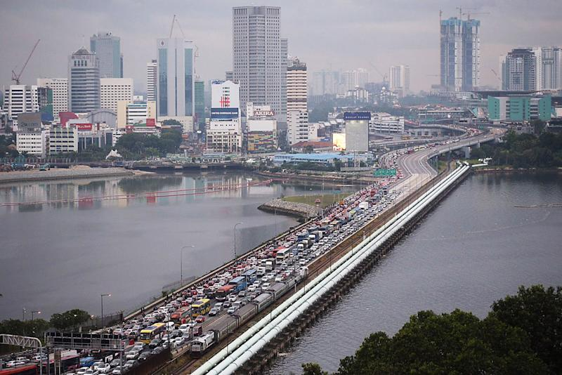 PM announces cheaper levy, toll rates across Johor's Second Link
