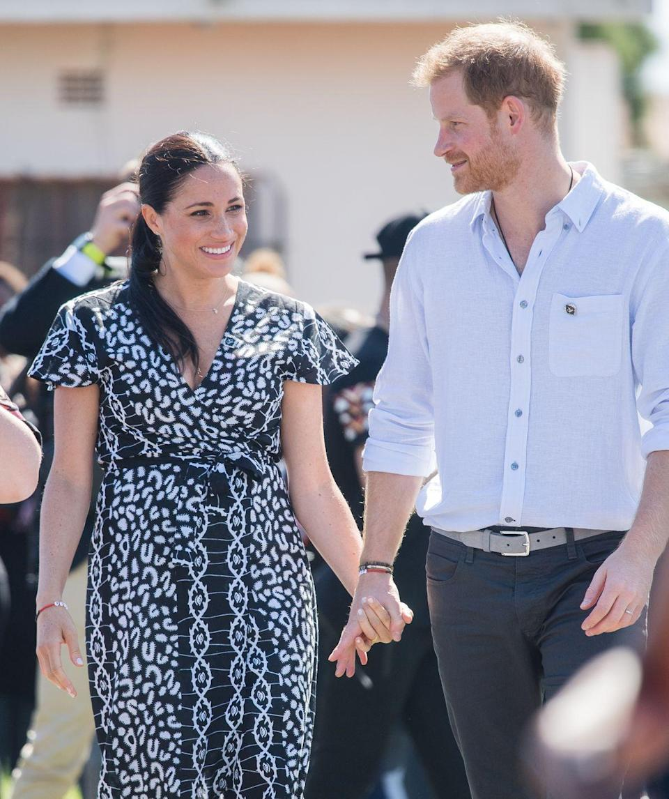<p>The pair looked adorable as they held hands during the visit on 23 September in Cape Town. </p>
