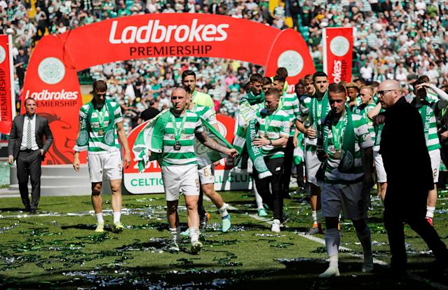 Soccer Football - Scottish Premiership - Celtic vs Aberdeen - Celtic Park, Glasgow, Britain - May 13, 2018 Celtic players celebrate winning the Scottish Premiership after the match REUTERS/Russell Cheyne