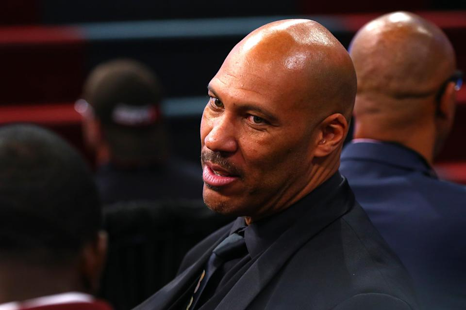 LaVar Ball appears to be trying to speak into existence Luke Walton no longer being Lonzo Ball's coach. (Getty)