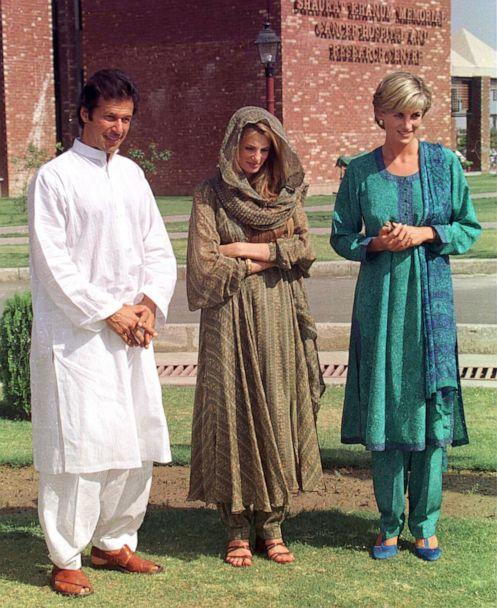 PHOTO: Diana, Princess Of Wales visits the Shaukat Memorial Hospitalin Lahore, Pakistan, with Imran Khan, left, and Jemima Khan, May 22, 1997. (Tim Graham Picture Library/Getty Images)