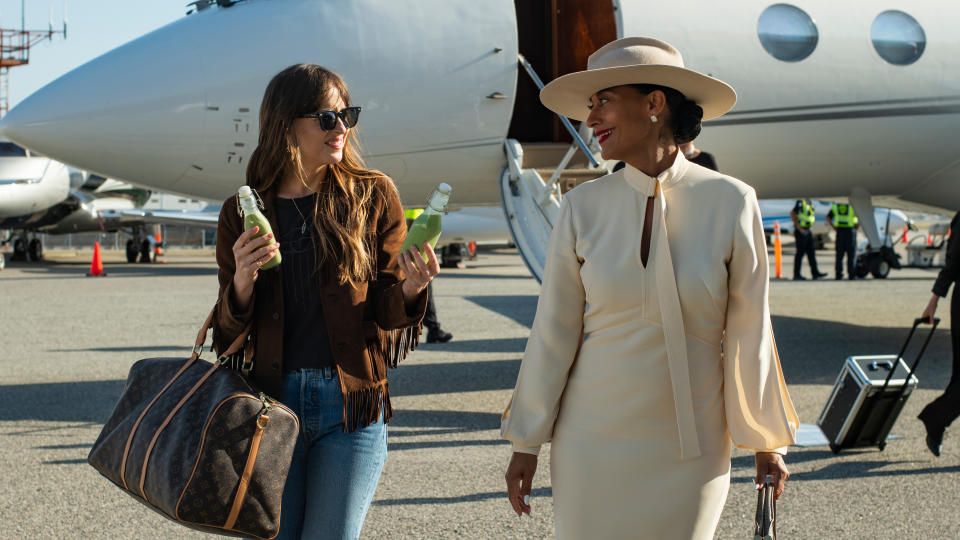 Dakota Johnson and Tracee Ellis Ross in 'The High Note'. (Credit: Universal/Focus Features)